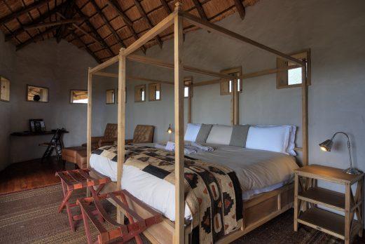 Tau Pan Camp